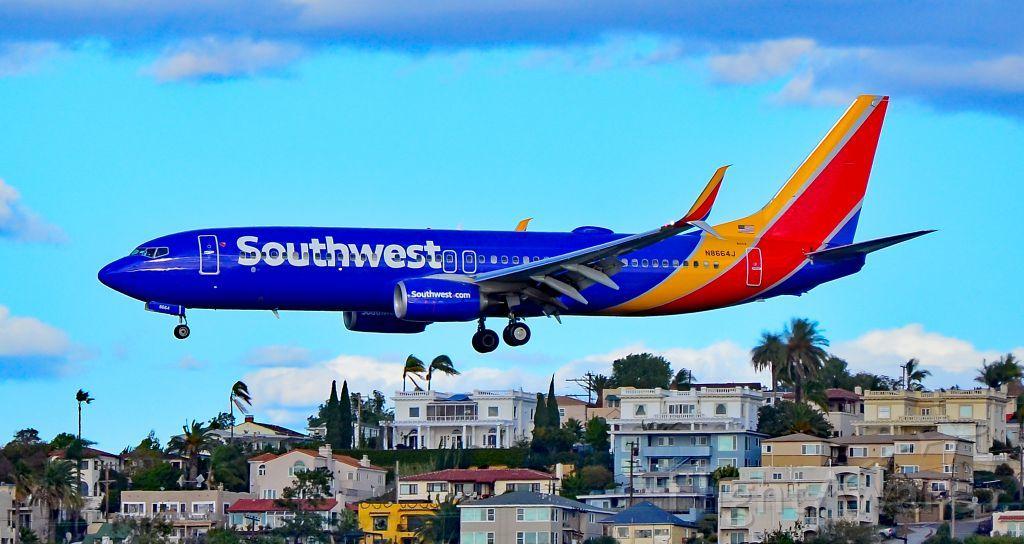 Photo of Southwest B738 (N8664J) ✈ FlightAware