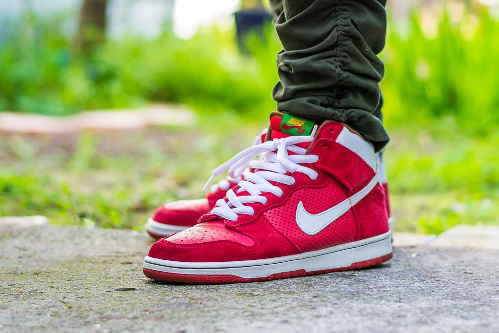 Check out my video review of these Nike Dunk High SB Big Gulp and find out  where to grab a pair for yourself! a4991465f8