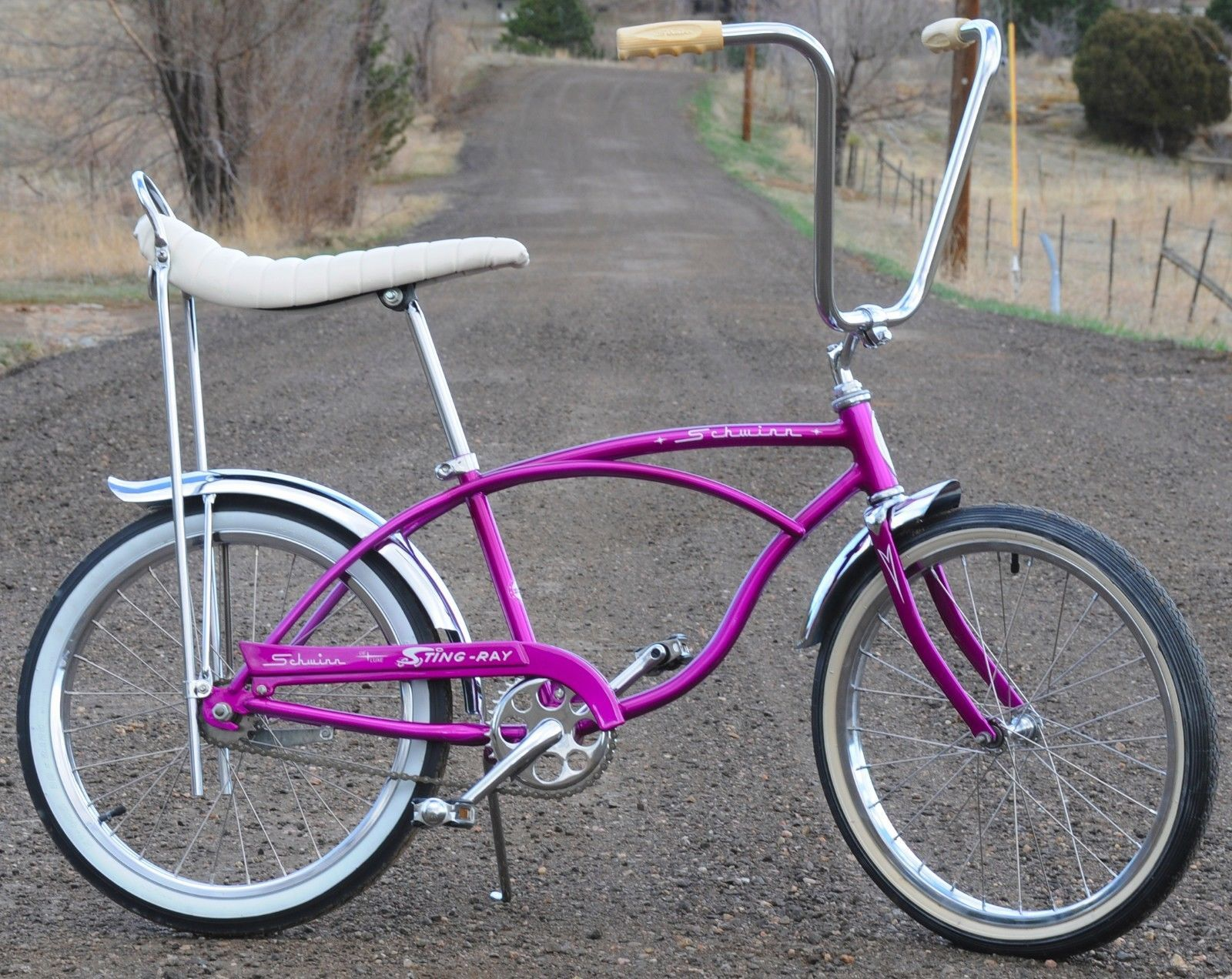 07c933ac74a 67 Schwinn Stingray Deluxe | Pedal Power | Bicycle, Classic bikes ...