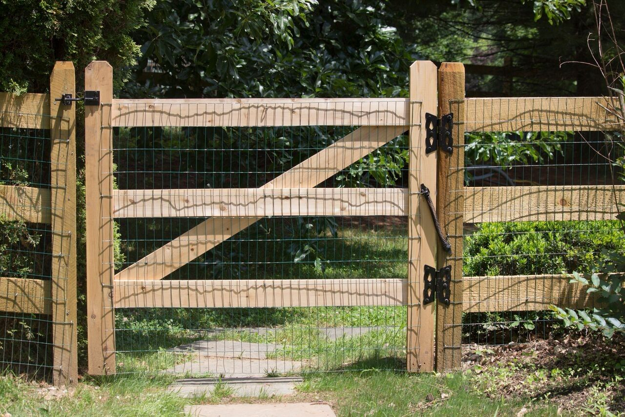 Post And Rail 3 Rail Fences Boundaryline New Zealand Rail Fence Farm Gate Driveway Fence