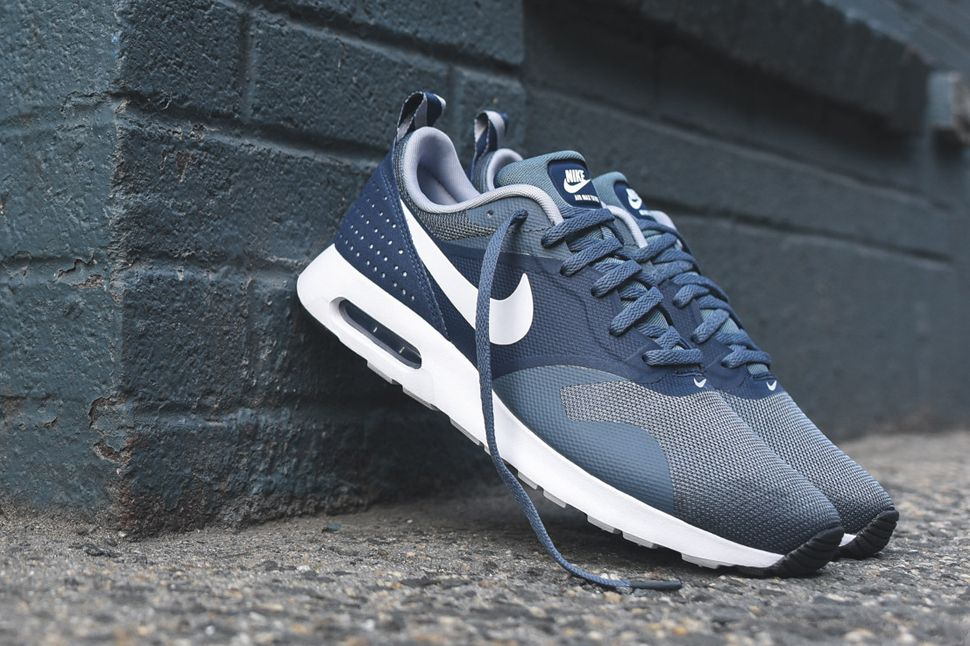 nike air max tavas essential armory slate midnight navy
