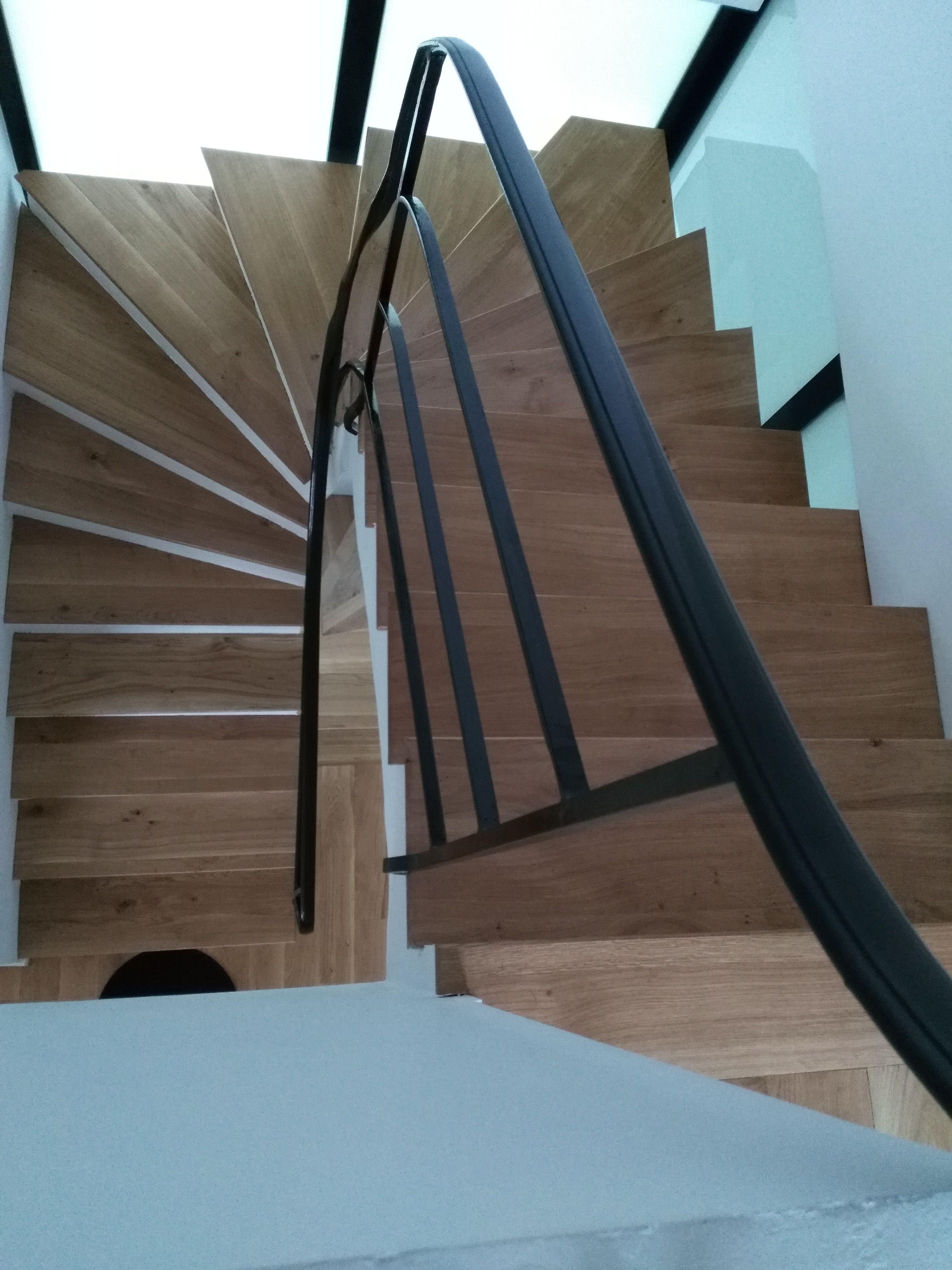 Escalier Bois Metal Fabrique Avec Nos Panneaux En Chene Massif Made In France A Retrouver Sur Parquet C Parquet Chene Massif Escalier Bois Metal Chene Massif
