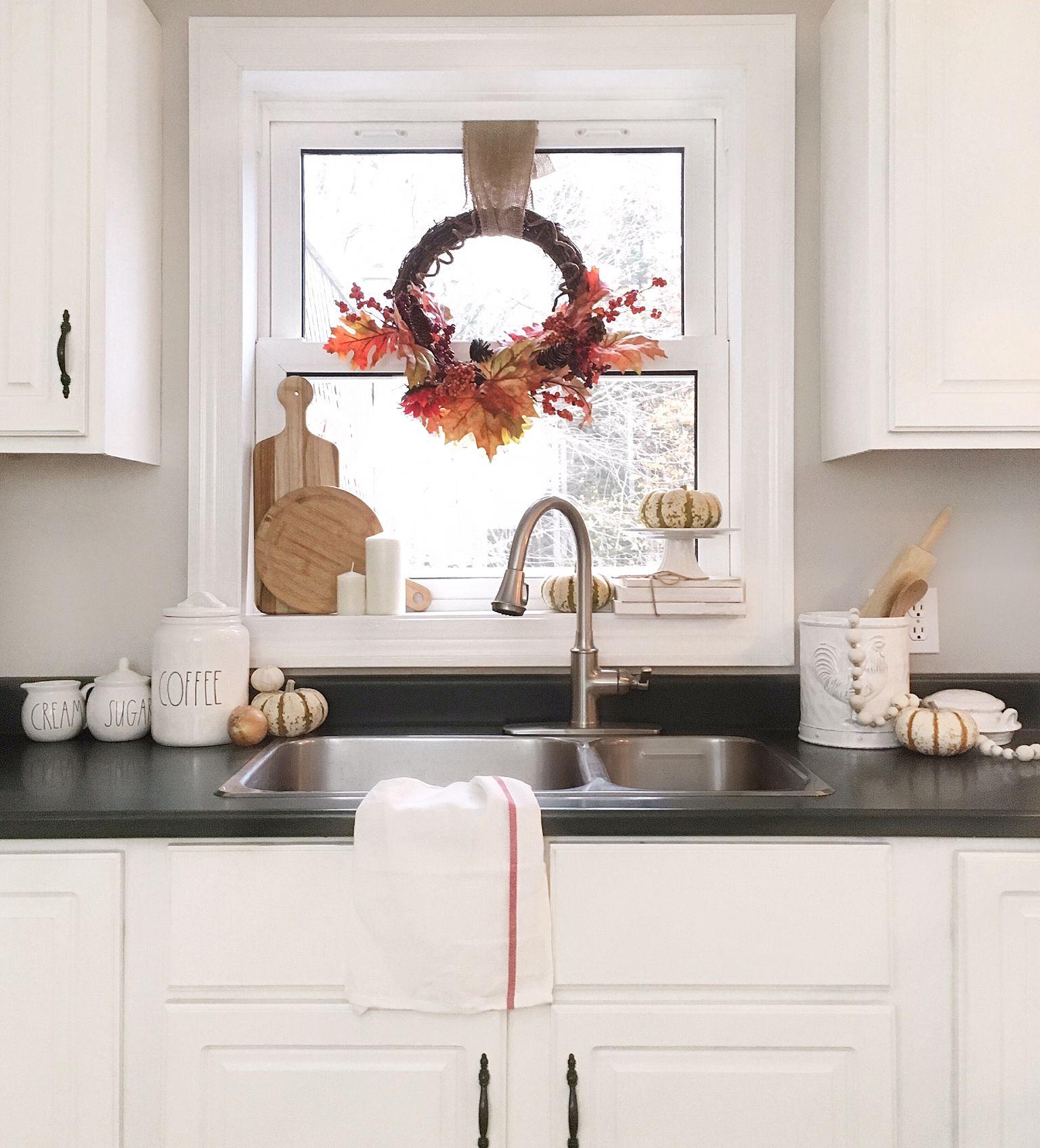 White Kitchen Decorated For Fall   White kitchen makeover, White ...
