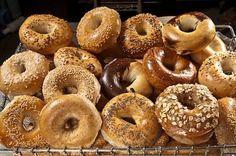 Que tu aies déjà goûté ces petits pains typiques de New-York ou pas, tu te dis que ça serait sympa d'essayer de les préparer toi-même ? Eh bien, y a plus qu'à !