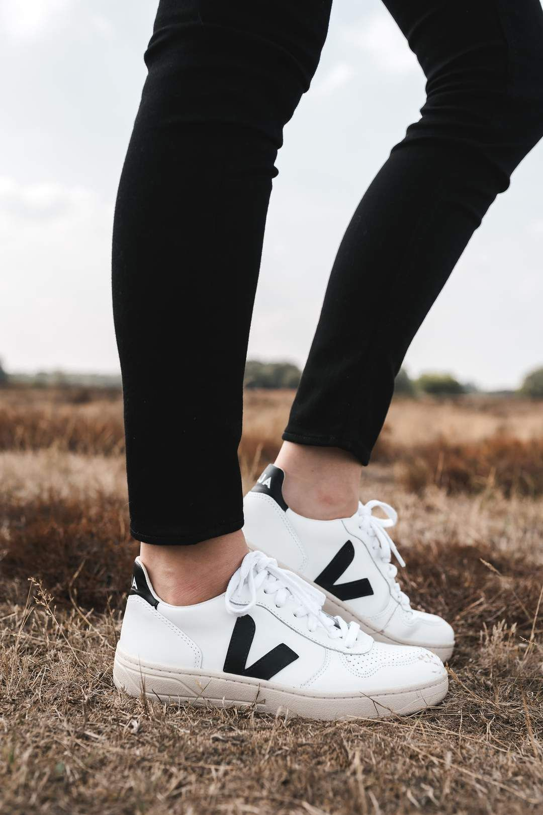 9bee23f497d v-10 sneaker extra white black by Veja on thegreenlabels.com