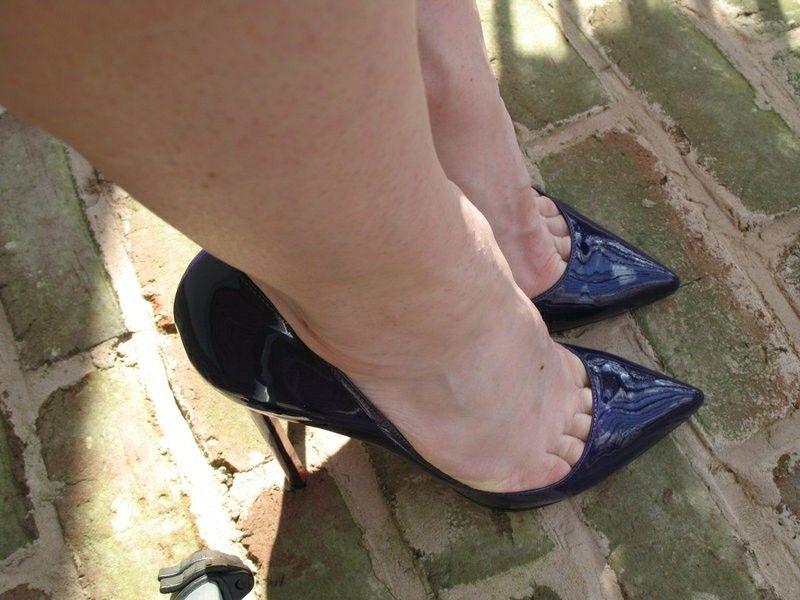Transparente Matte Haut Leder Stiletto High Heels Vera Detaillierte
