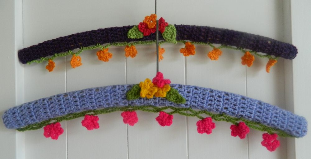 crochet coat hangers  www.highlandsockies.blogspot.com