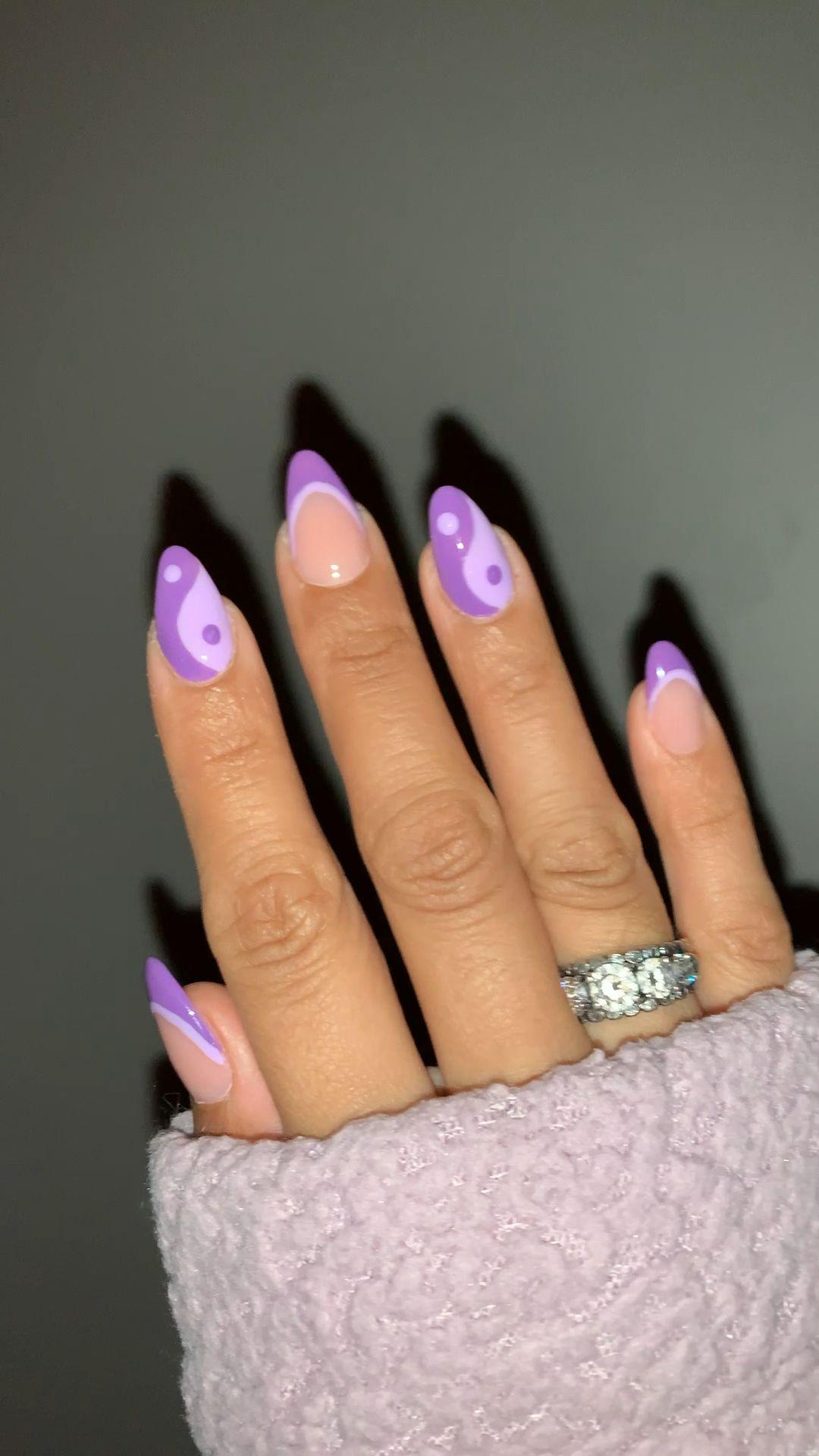 Yin & Yang Nails