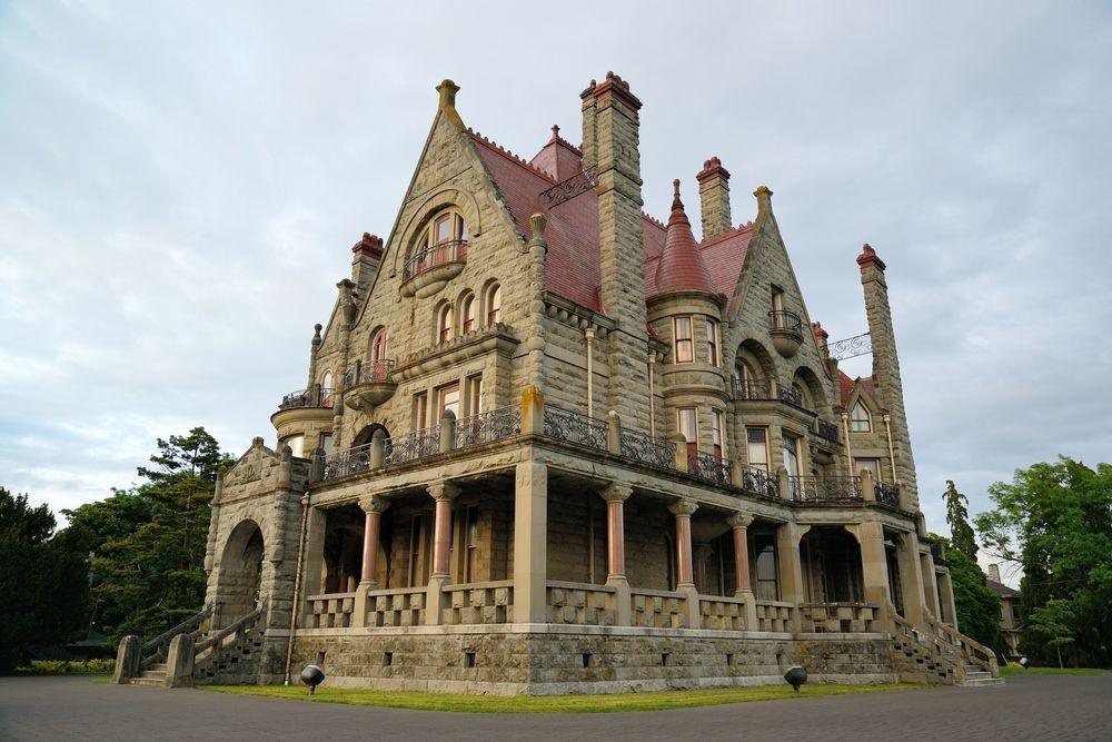 60 Finest Victorian Mansions And House Designs In The World Photos Mansions Victorian Castle Victorian Style Homes