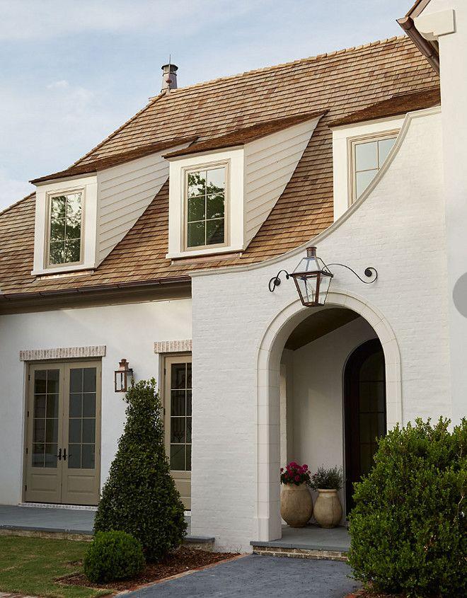 Gorgeous Home With Quarter Sawn White Oak Kitchen House Paint Exterior Brick Exterior House White Brick Houses