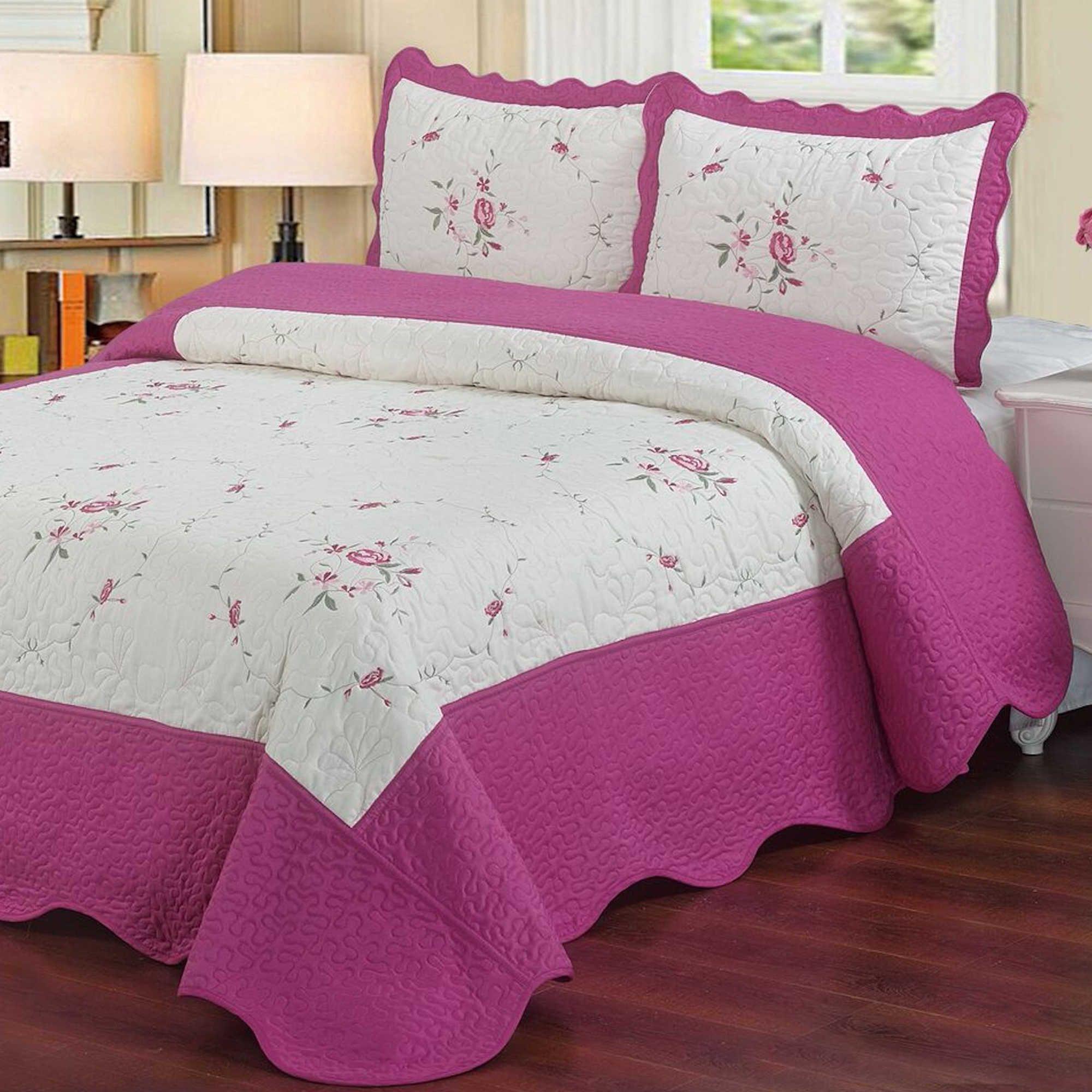 Laura's Lace Chelsea Coverlet Set Quilt sets, Luxury