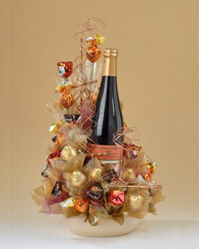 Букет и шампанское в подарок