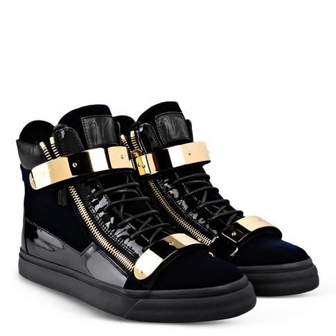 Giuseppe Zanotti ® Official Website - Learn about Giuseppe Zanotti's  universe: shoes, sneakers, bags, jewels, accessories and much more.