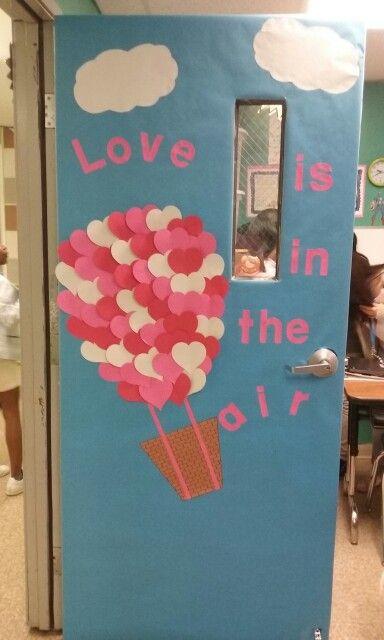 Pin de denisse valenzuela en decoraciones de puertas for Decoracion de puertas escolares