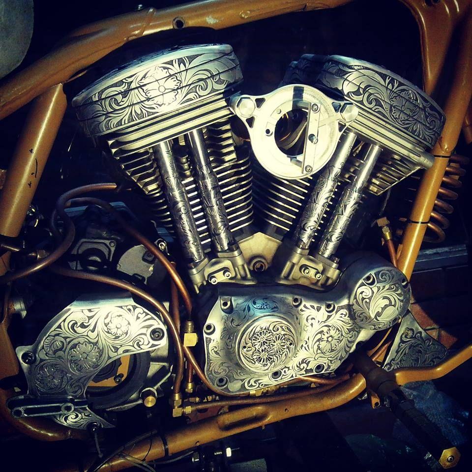 #hoanghandengraving #hoangengraver #engraver #engraving #motorcycleengraving #harleydavisonengraved #handengraver #metalengraver #engraved