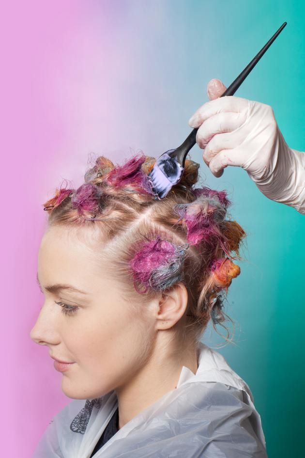 What Is Sunbun The New Hair Coloring Technique That Incorporates Top Knots And 90s Tie Dye Hair Color Techniques Tie Dye Hair Pinwheel Hair Color