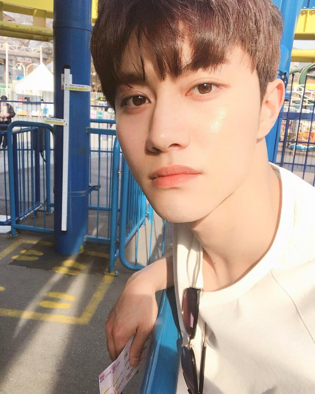 Kwak Dong Yeon 170404 Instagram Update Kdramas Di