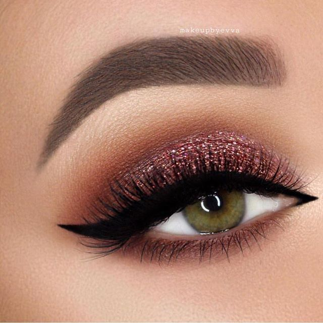 Sexy Eye Makeup Looks Give Your Eyes Some Serious Pop - Warm and sparkling eye makeup #eyeshadow