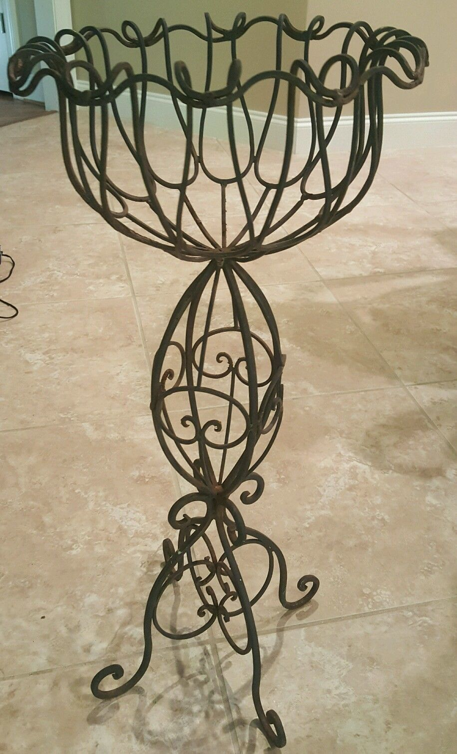 Vintage Black Wrought Iron Metal Scroll Plant Stand 29 Tall With