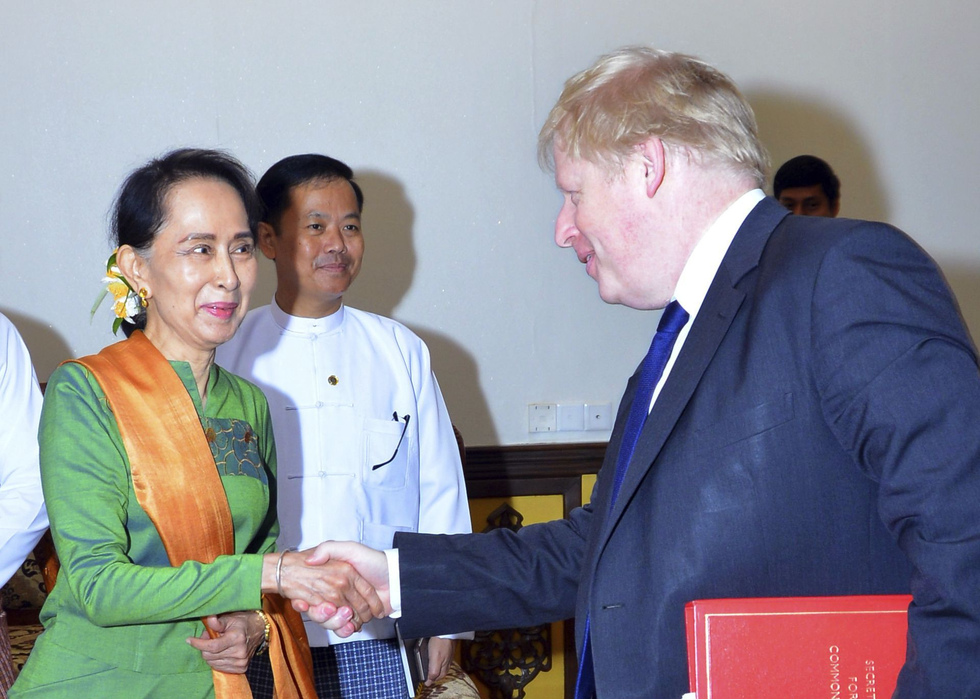 UK's top diplomat meets Myanmar's Suu Kyi on Rohingya