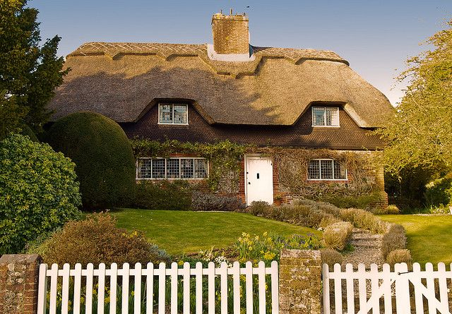 Cottage In The Hampshire Village Of Crawley Thatched Cottage English Cottage English Country Cottages
