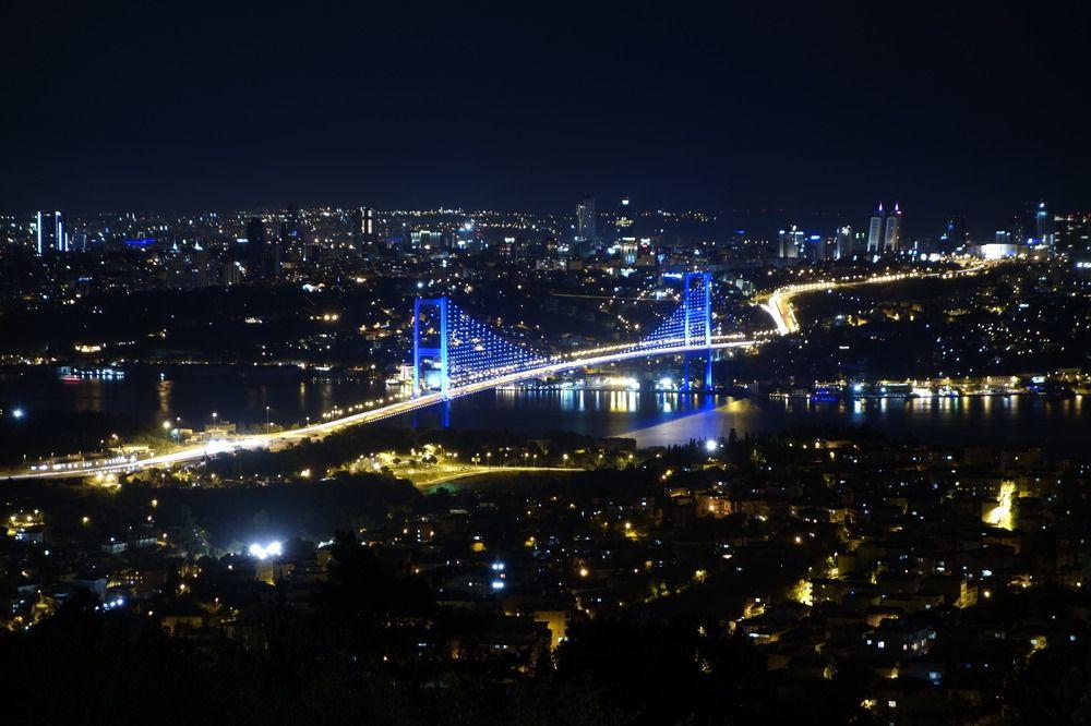 Lichter der Metropole am Bosporus http://fc-foto.de/31670424