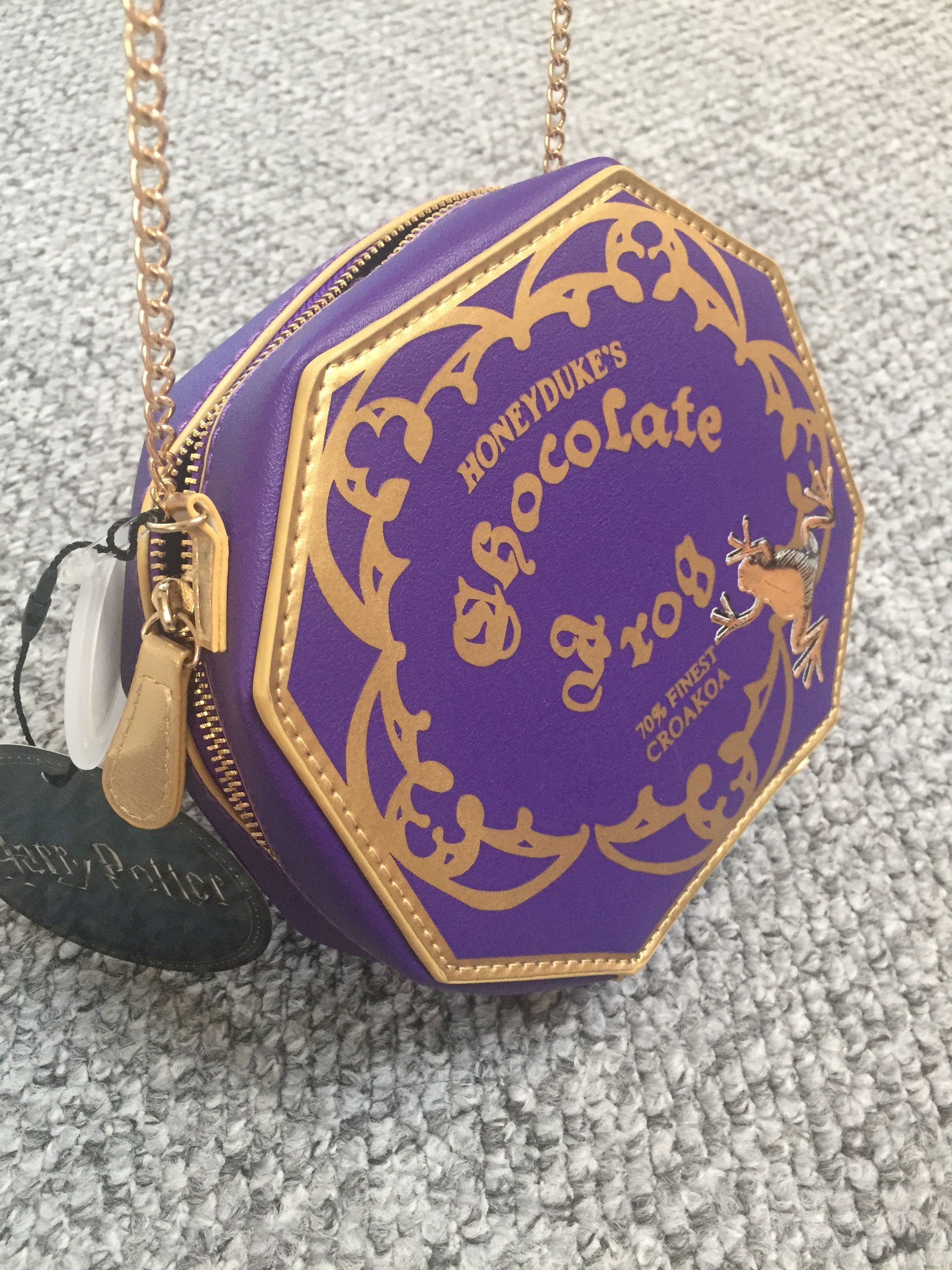 0370786e [Harry Potter Honeyduke's Chocolate Frog AcrossBody Bag with Chain] # harrypotter #harrypotterbag #eBay #onlineshopping #grandbazaaristanbul ...