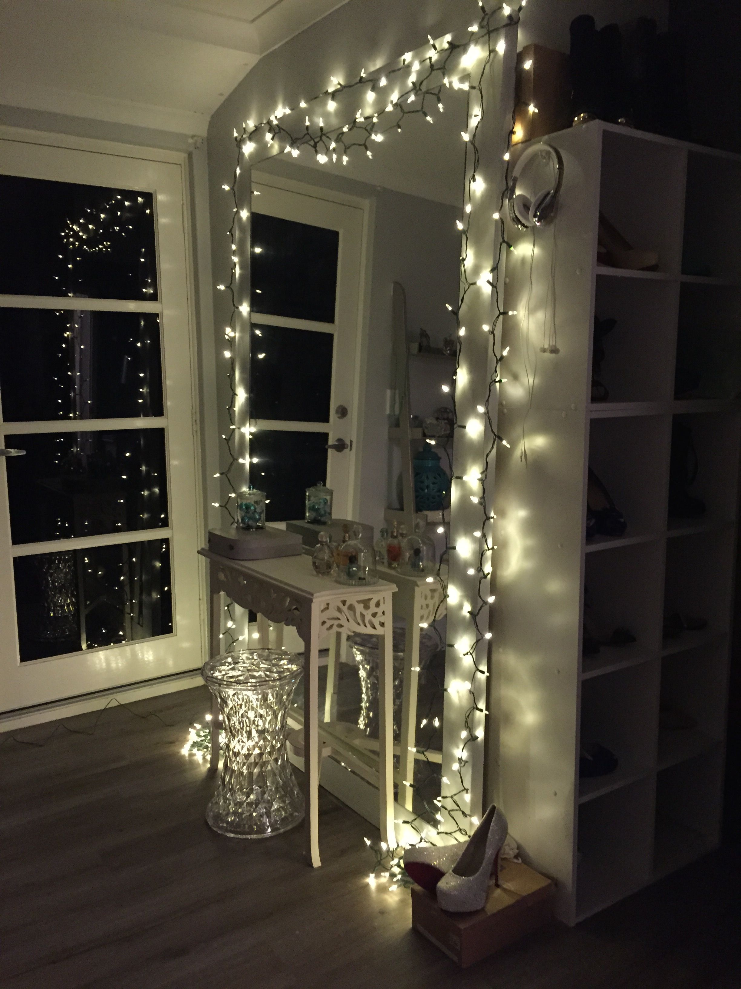 Dressing Table Mirror All Lit Up With Fairy Lights Mirror Decor Hipster Bedroom Decor Fairy Lights Bedroom