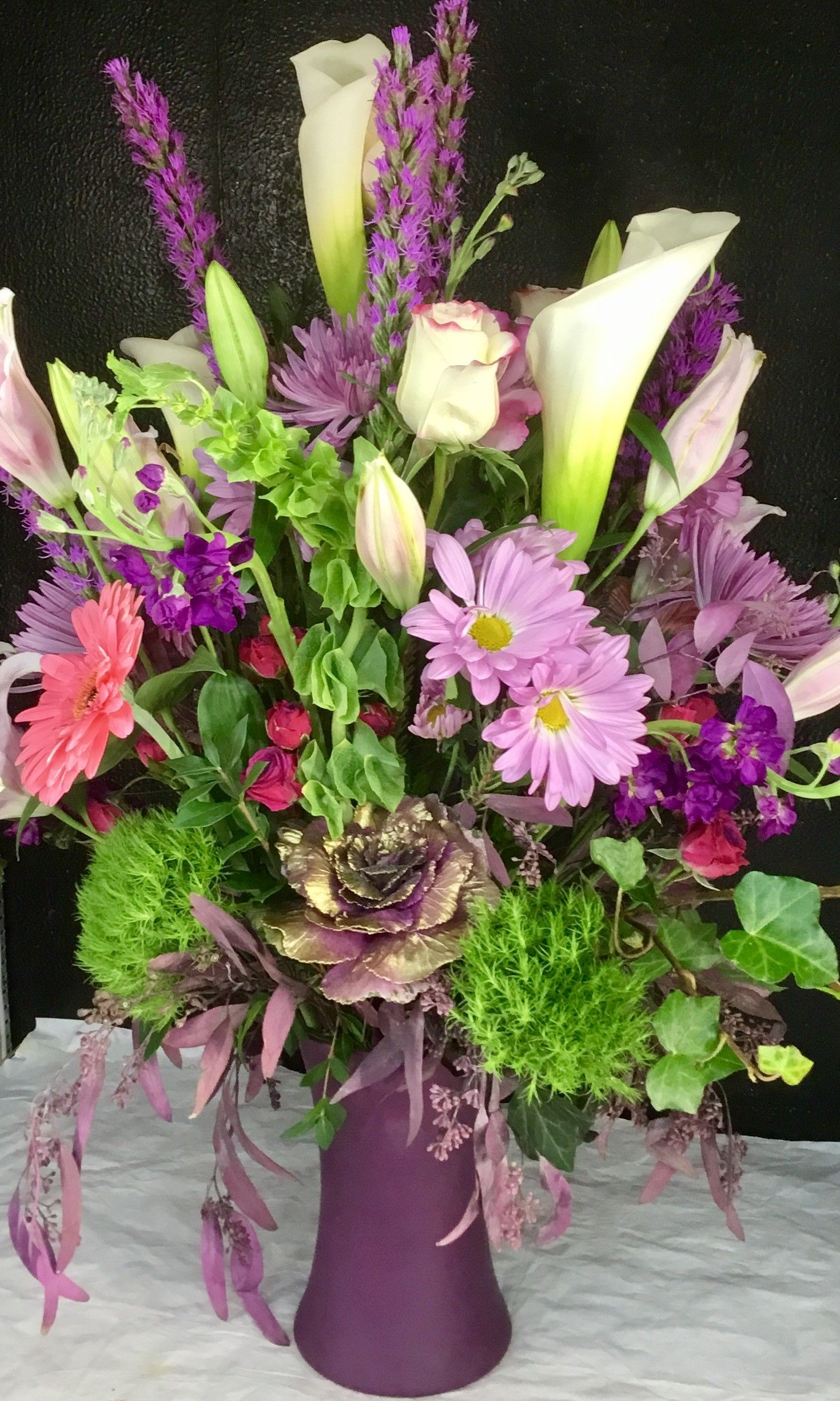 Tasteful lilac,pink and white combo Fresh flowers online