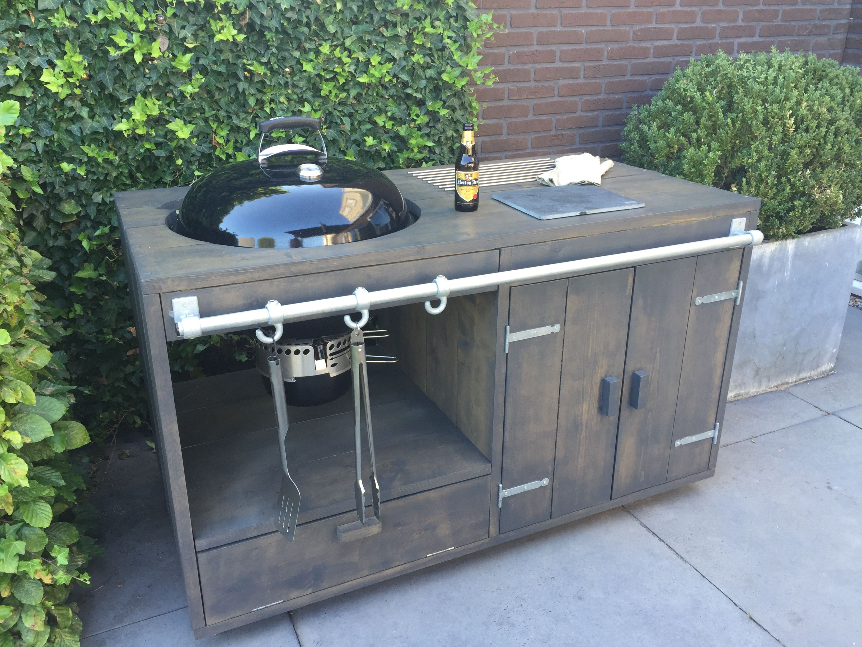 Handmade Mobile Outdoor Kitchen With A Weber Master Touch Gbs System Edition Bbq Buitenkeuken Buitenkeukens