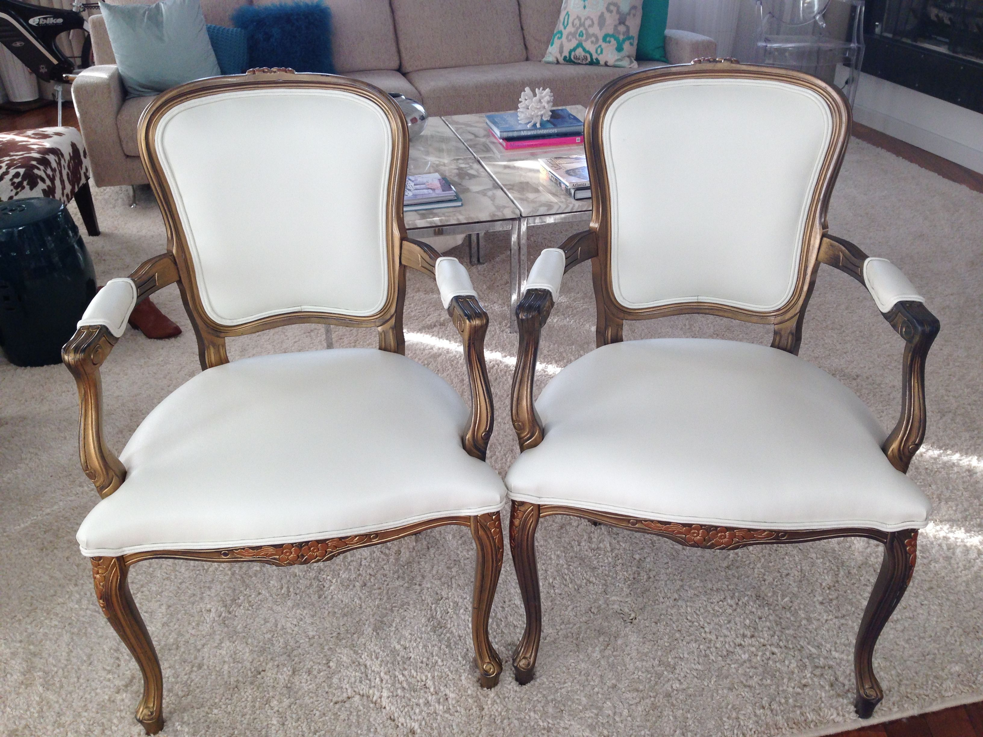 Bride And Groom Chairs Available For Rent Fourinchfold Vintage Brideandgroomchairs Sweethearttable Chair Sweetheart Table Wedding Rental Company