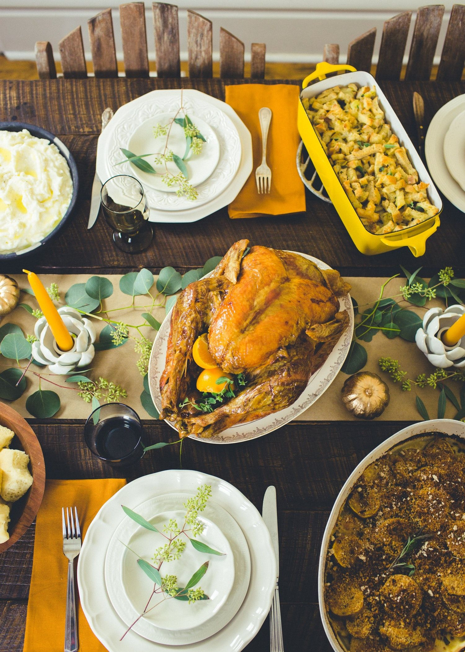 How To Host Thanksgiving For 10 On A 100 Budget With