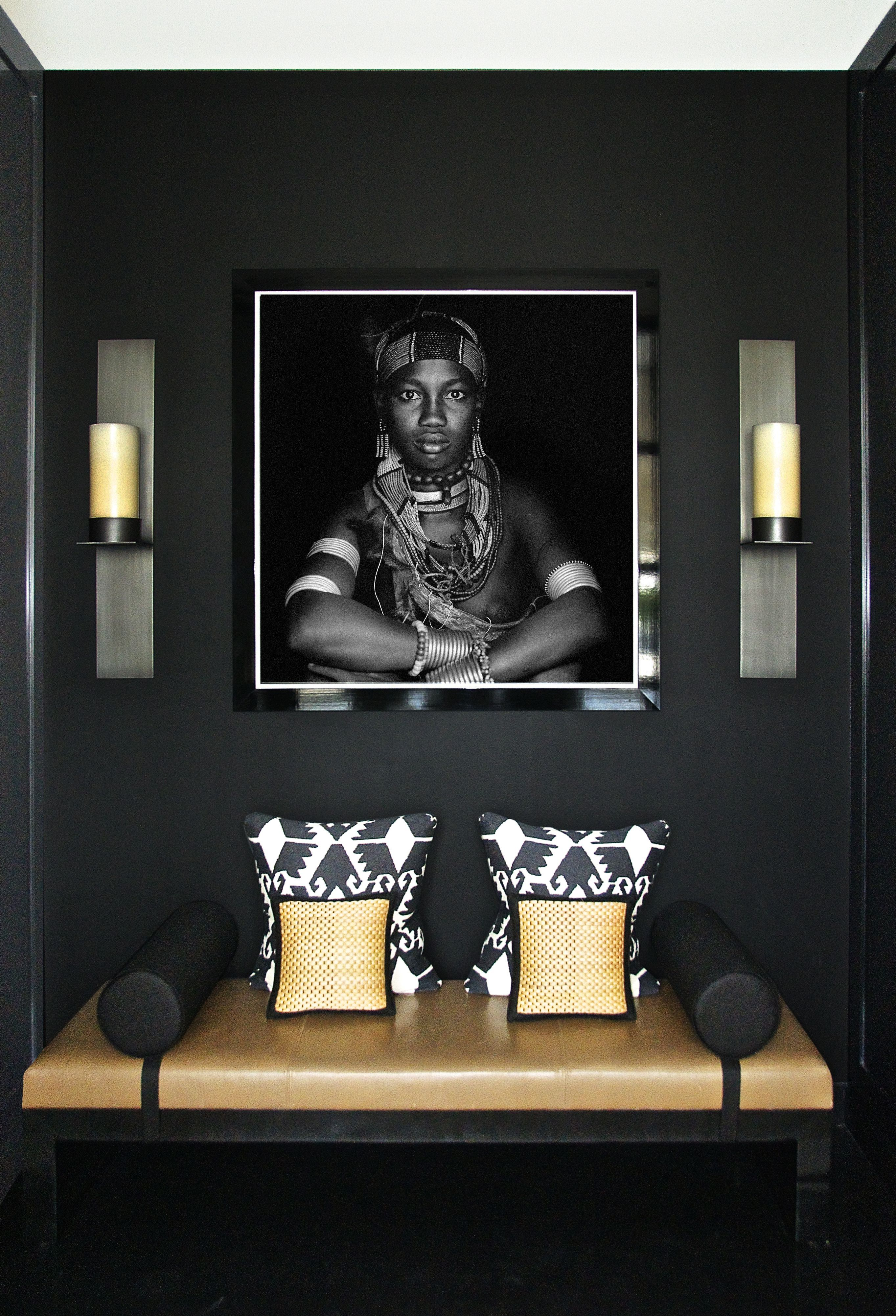 Luxury hallway furniture  Are you thinking of making a black decor See some inspiration from