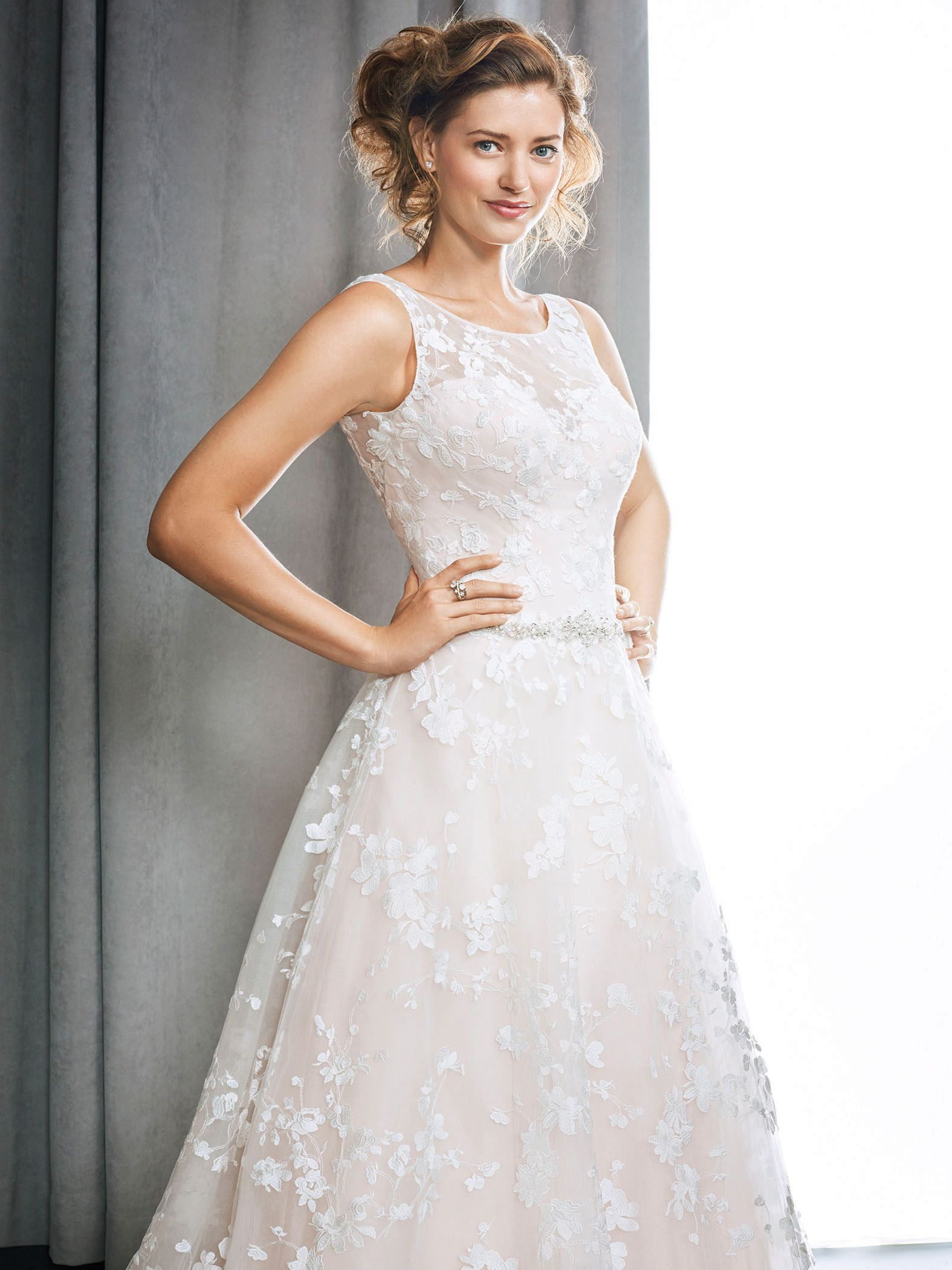 Winston Style 1694 dreamy wedding dress with