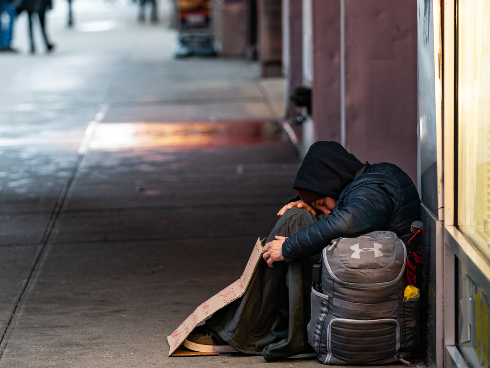 Opinion Should It Be Illegal To Sleep Outside The Outsiders Homeless People Up The Women