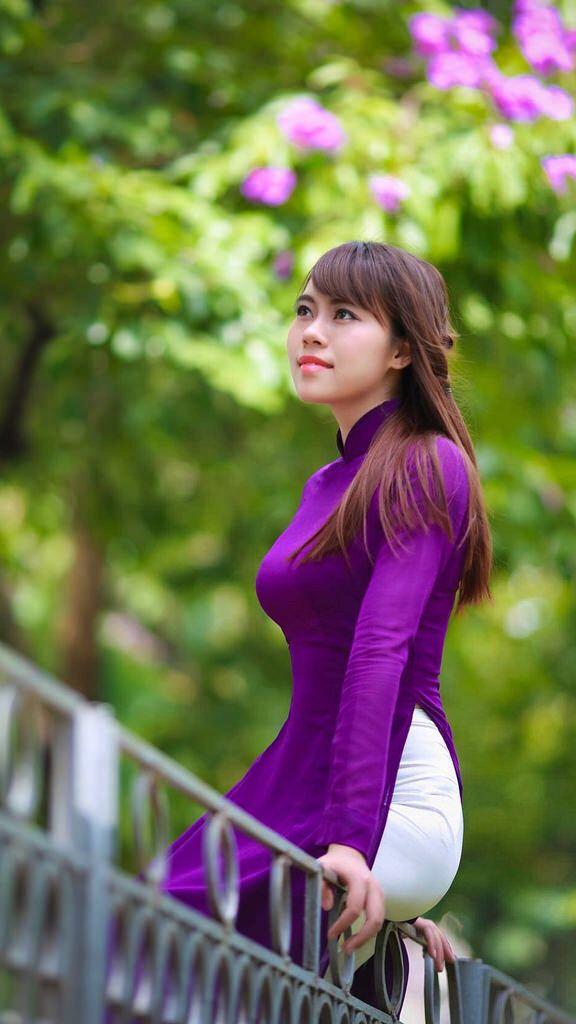 Gentle beauty and femininity of the Vietnamese girls