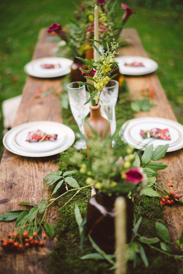 moss table runner, photo by Trentième Étage http://ruffledblog.com/french-woods-wedding-inspiration #tablerunner #wedding