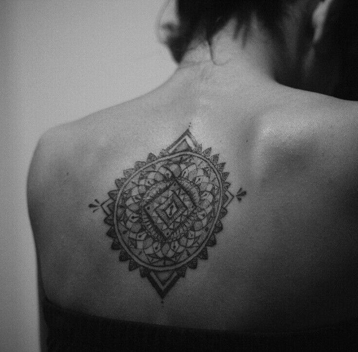 je trouve ça tellement beau des tatouages mandala!