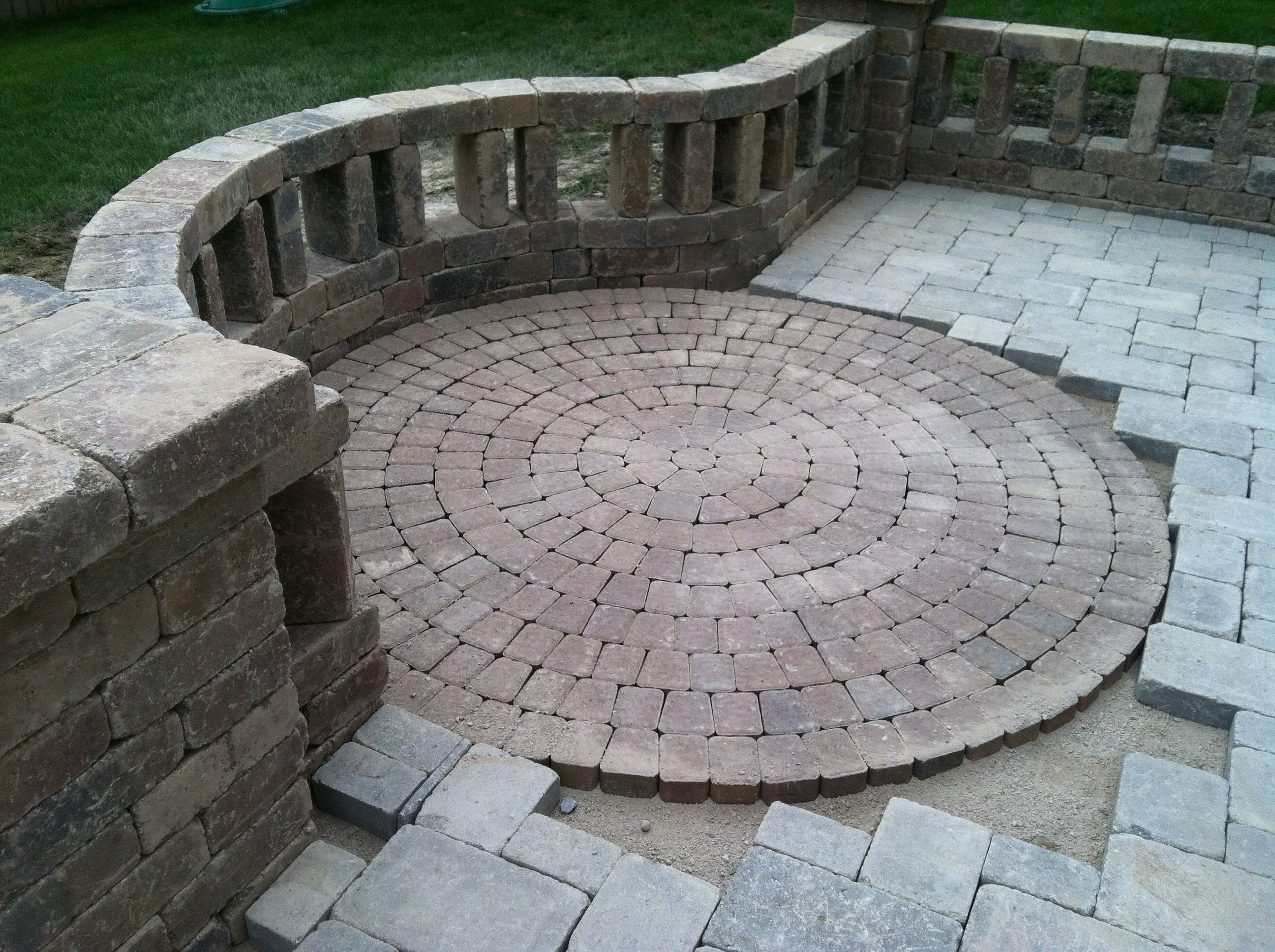 Unilock Olde Greenwich Cobble Circle Kit Patio Paver Patio Cottage Garden