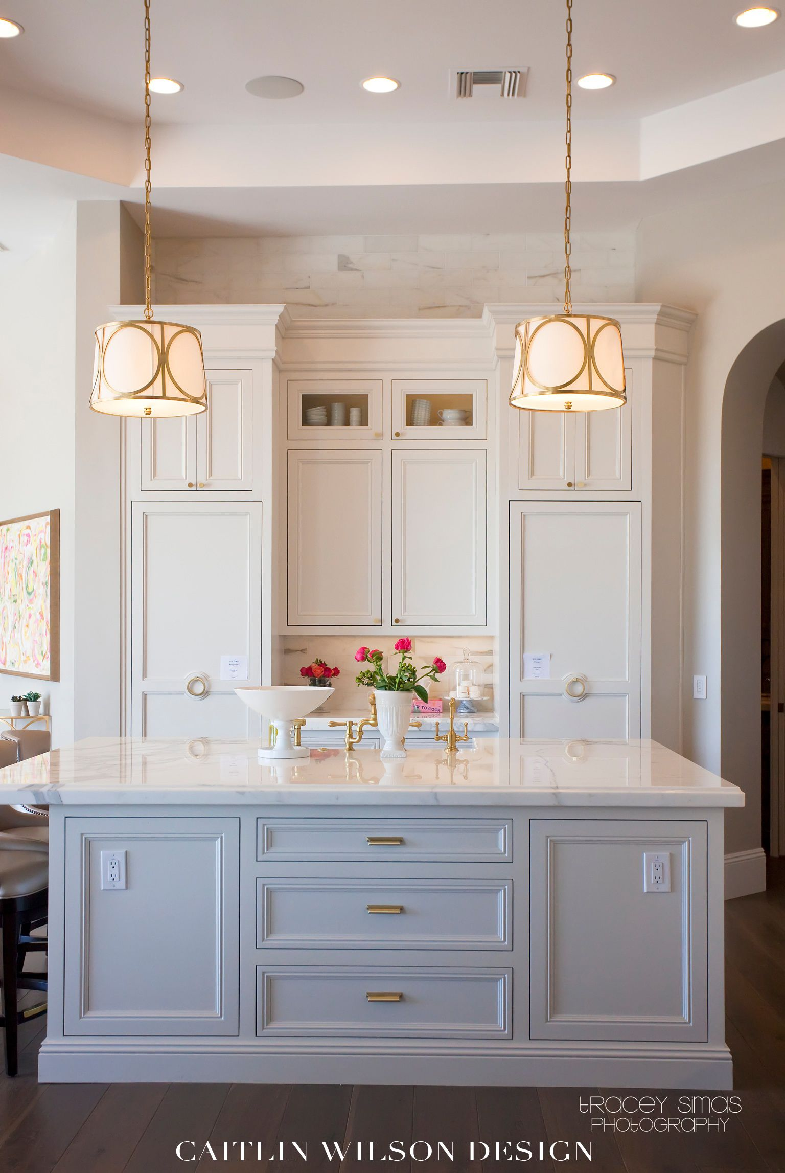 Best Pretty Kitchen Like The Gold Hardware And The Cabinets 400 x 300