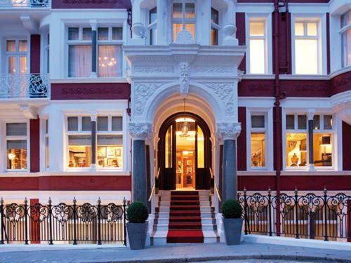 St James Hotel Club London