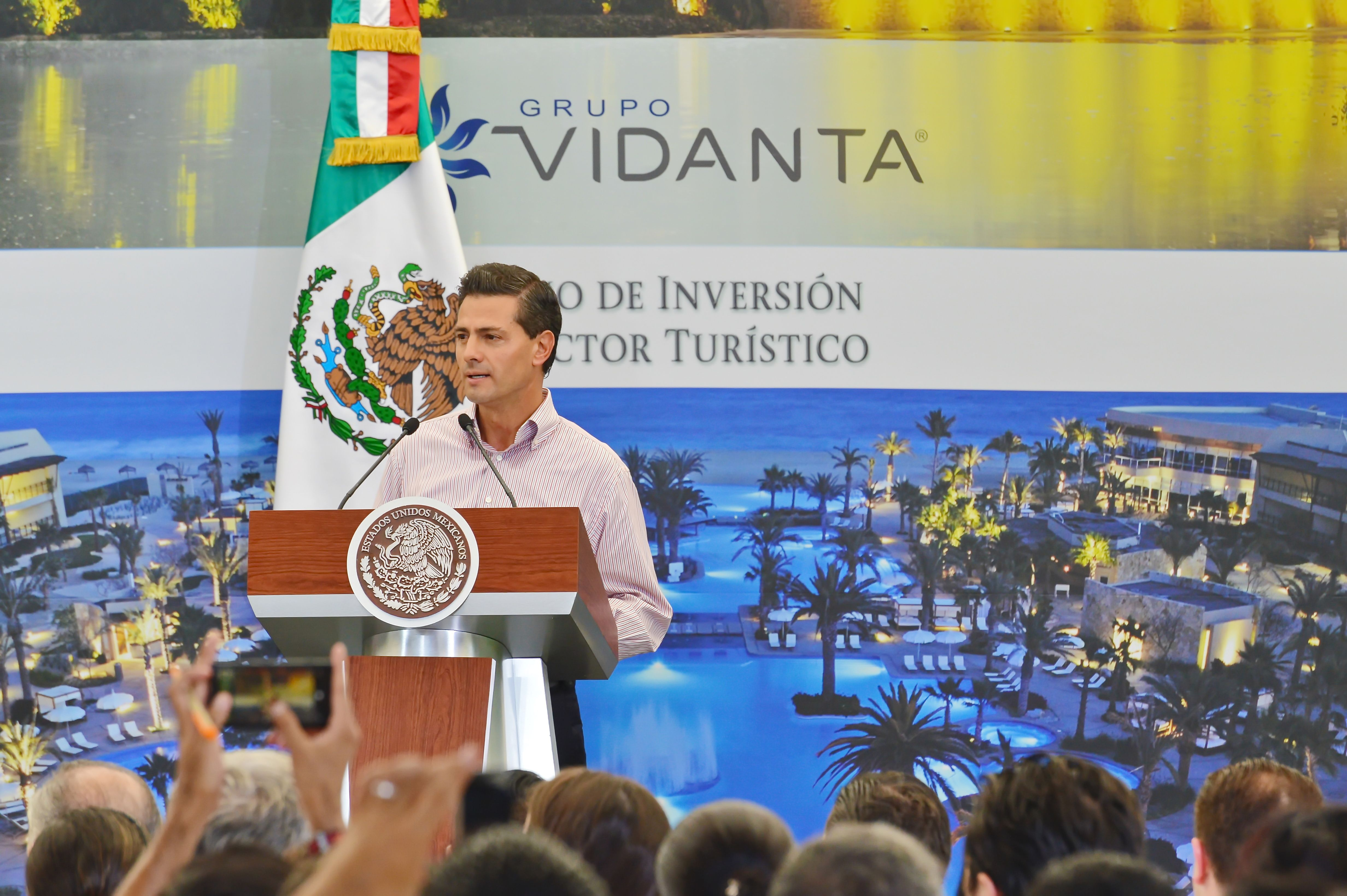 Mexico President Enrique Pena Nieto Applauds Grupo Vidanta for $1.3 Billion... -- RIVIERA MAYA, Mexico, April 10, 2015 /PRNewswire/ --