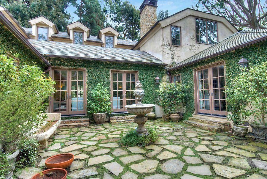 Nice idea for a summer house yards Pinterest Backyard and House