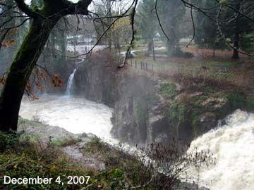 Falls City Oregon Is A Coast Range Mill Town On The Little Lukiamute River Falls City Oregon City City