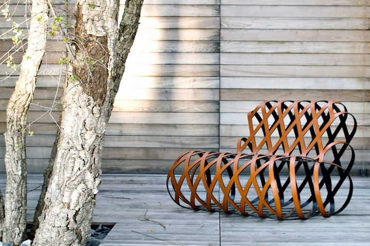 ARIA relaxing steel armchair by Antonio Rodriguez for La Cividina