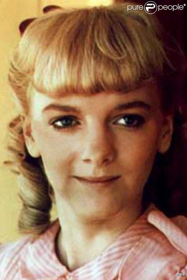 Petite fille pourrie gâtée, Nelly Olson est la pire ennemie de Laura. Une vraie tête de peste qui reflète parfaitement son personnage... Nelly est une tête à claques !