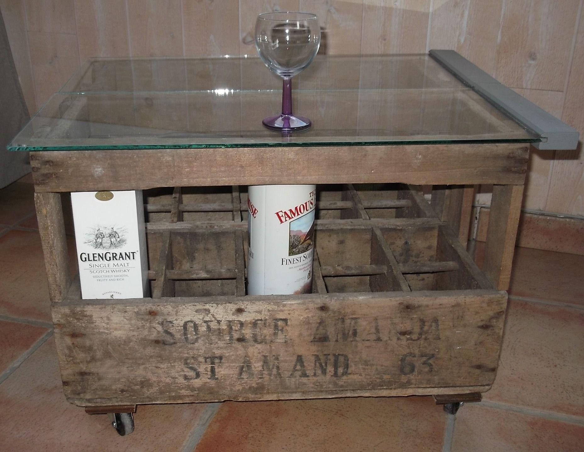 Table basse de salon sur roulettes constitu e de 2 casiers - Range bouteille roulette ...