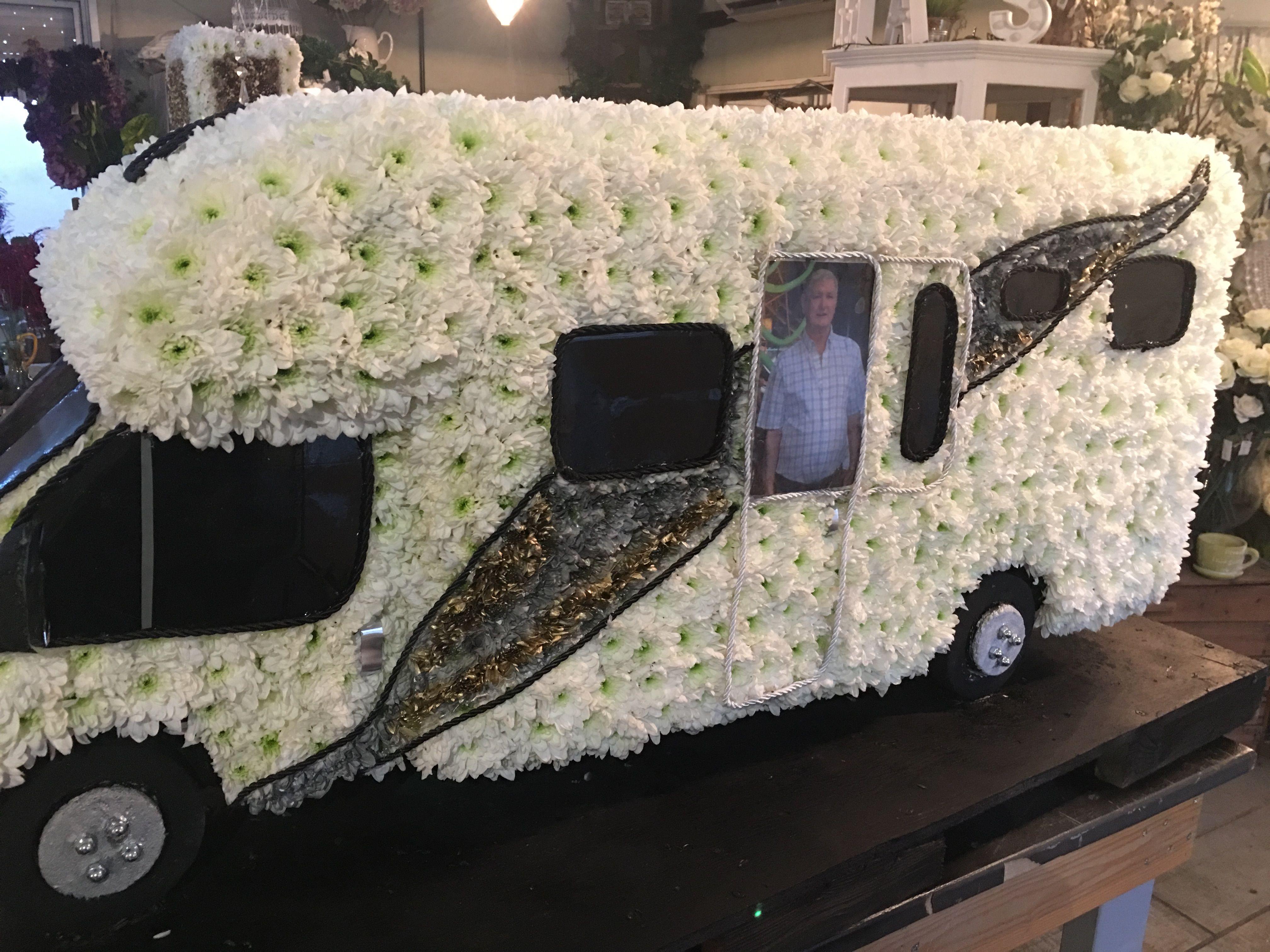 Caravan flower tribute motorhome bespoke funeral flower tributes caravan flower tribute motorhome bespoke funeral flower tributes thefloralartstudio izmirmasajfo