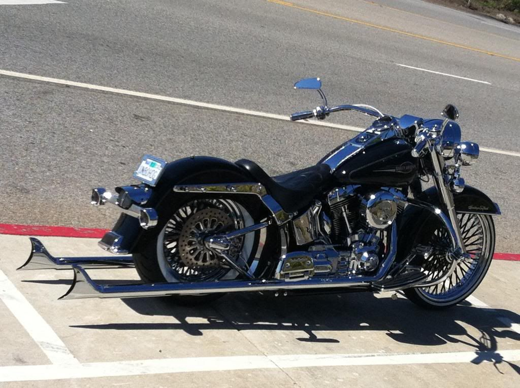Tricked Out Softail Deluxe Beach Bars For 2011 Deluxe Harley Davidson Forums Harley Softail Deluxe Harley Davidson Softail Deluxe