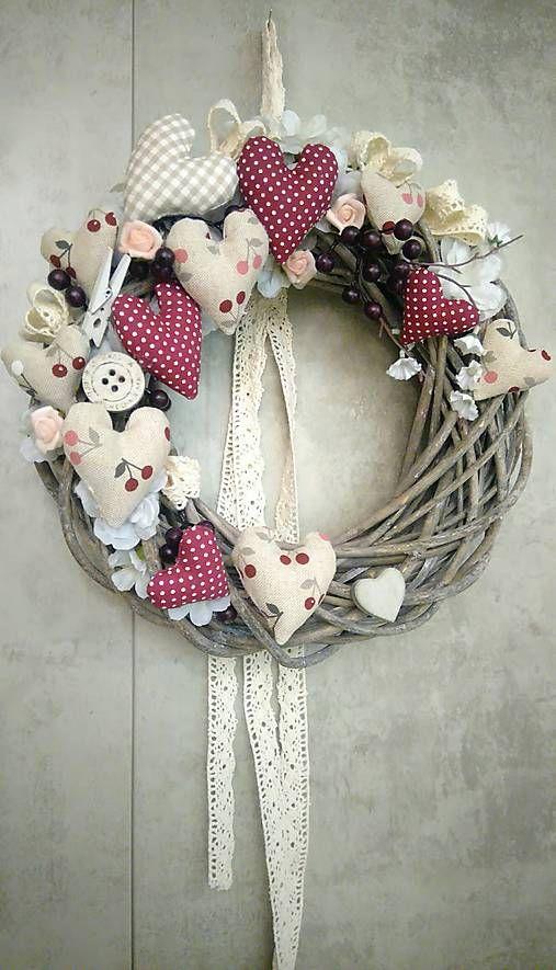 08778686a Veniec na dvere so šitými srdiečkami a čerešňou / domivecicky   Moje veci    Vianoce, Domov, Dekorácie